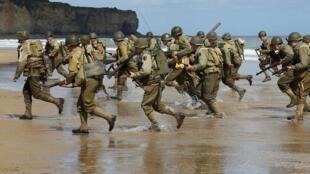 Reconstitución del Desembarco en las playas normandas.