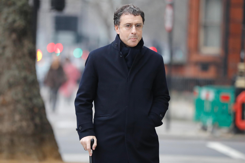 Александр Джухри перед зданием суда в Лондоне. 21.01.2019