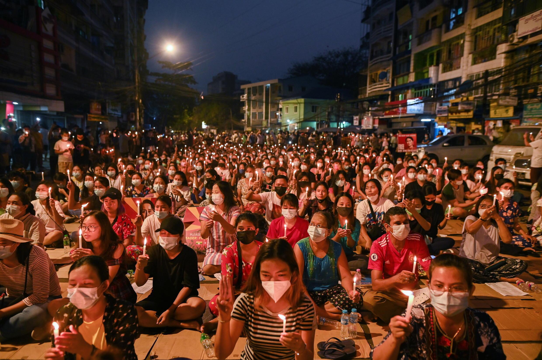 緬甸仰光街頭周日的反政變抗議活動