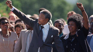 Nelson Mandela après sa sortie de la prison Victor Verster près de Paarl, le 11 février 1990.