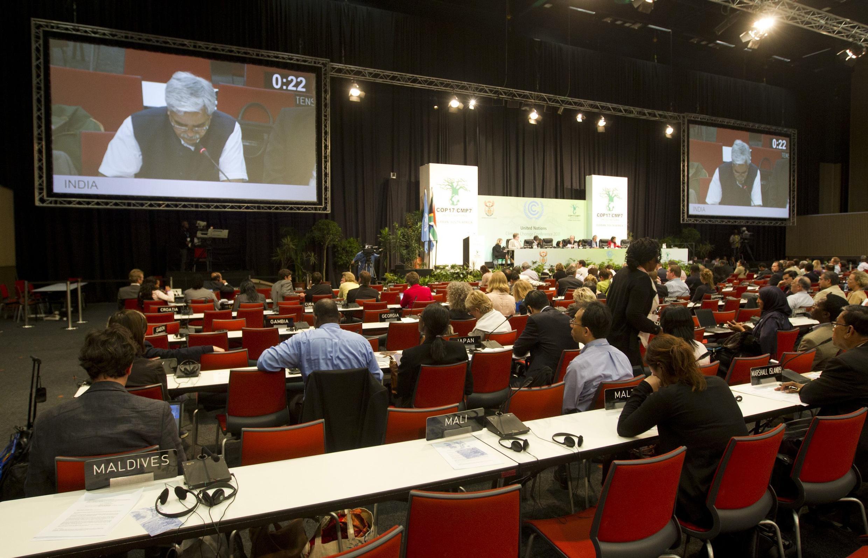 Os debates sobre o clima atravessaram a noite de sexta para sábado, em Durban.