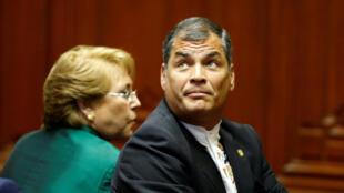 El presidente del Ecuador, Rafael Correa, durante la ceremonia de toma del poder de Pedro Pablo Kuczynski como presidente del Perú en Lima el 28 de julio de 2016