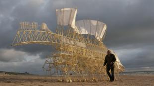 Theo Jansen's Strandbeest.