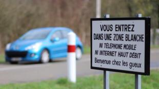 Sur la route de Fay-aux-Loges, dans le Loiret.