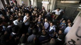 Novo protesto nesta terça-feira no Cairo.