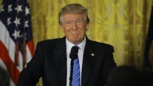 Rais wa Marekani Donald Trump amesema umefika muda kwa uhusiano wa nchi yake na Urusi kusonga mbele.