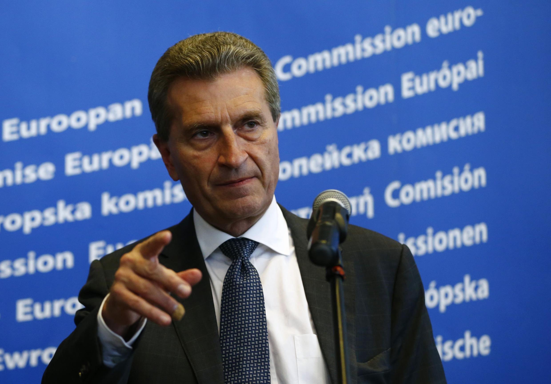 Еврокомиссар по энергетике Гюнтер Оттингер в Варшаве 02/05/2014 (архив)
