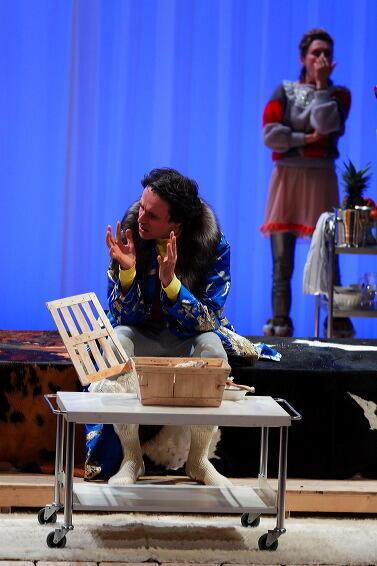 """Лоран Пуатрено в спектакле по О.Кадио в постановке Л.Лагарда """"Гнездо, зачем оно"""""""