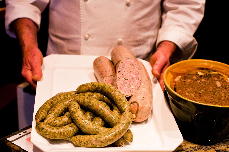 В колбасной Дидье Павара кресс-салат применяется в большинстве видов продукции