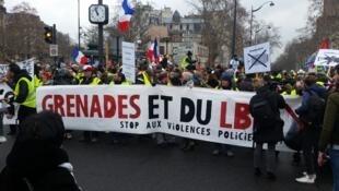 Début du rassemblement des «gilets jaunes», samedi 2 février, dans le quartier parisien de Daumesnil.
