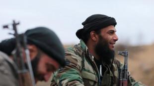 """Повстанцы """"Армии ислама"""" на подступах к г. Дума близ Дамаска, 2 января 2017 г."""