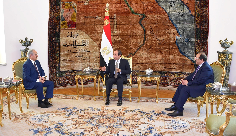Babban kwamandan askarawan da ke mamaye da yankin gabashin Libya Khalifa Haftar a ganawarsa da Abdel Fattah al-Sisi na Masar a birnin alkahira