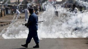 Les manifestations ont repris, le 2 juin 2015, à Bujumbura, Burundi.