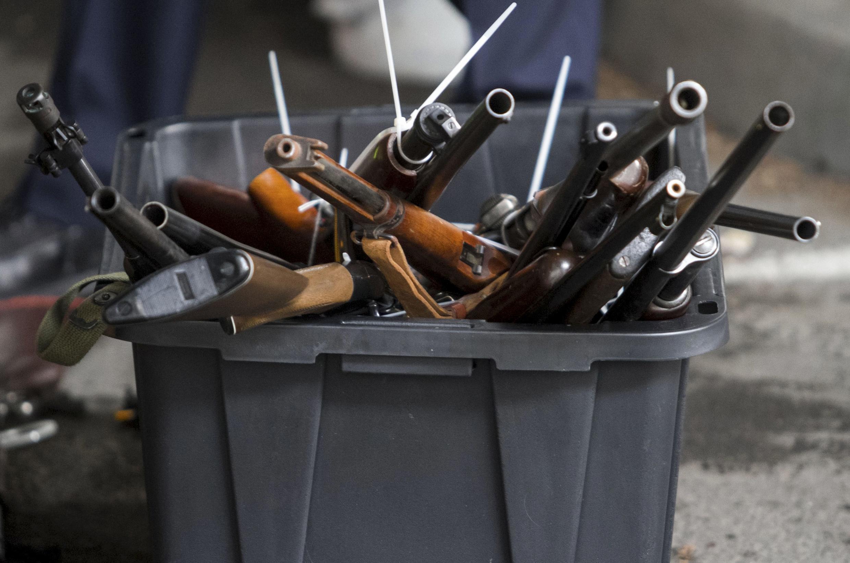 Se estima que en este país de 3,3 millones de habitantes, hay aproximadamente un millón de armas en manos de civiles.