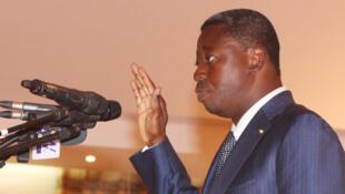 Le président Faure Gnassingbé prête serment devant la Cour constitutionnelle, le 4 mai 2015, à Lomé (illustration).