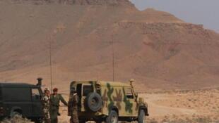 Le mur de sable s'étendrait du poste frontière de Dehiba à celui de Ras Jedir, le long de la frontière libyo-tunisienne.