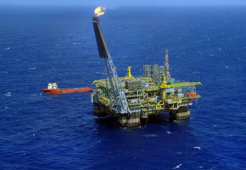 Total vai explorar os campos de pré-sal na costa brasileira junto com a Petrobras