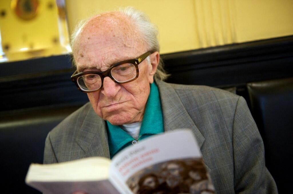 Словенский писатель Борис Пахор, старейший из ныне живущих авторов, бывший узник концлагеря Нацвейлер-Штрутгоф и автор книги лагерных воспоминаний «Некрополь». 28 июня 2009 года, Триест.