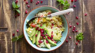 Une salade vegan à base de boulgour.