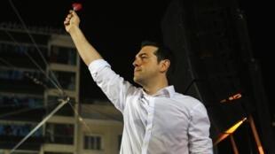 Alexis Tsipras, le chef de la gauche radicale grecque Syriza lors du meeting place Omonia, le 14 juin 2012.