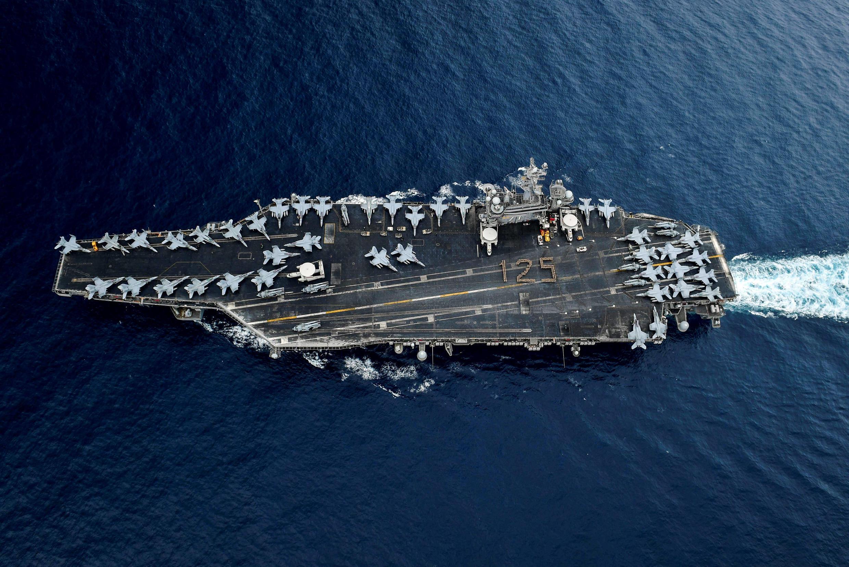 Tàu sân bay Mỹ USS Theodore Roosevelt chụp từ trên cao ngày 1/04/2018.