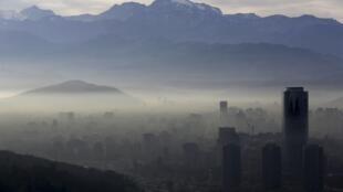 Les autorités chiliennes ont déclaré l'état d'urgence environnemental à Santiago.