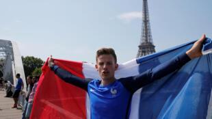 Ce fan de l'équipe de France est prêt pour la finale de la Coupe du monde. Paris, dimanche 15 juillet 2018.
