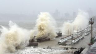 india-weather-cyclone-tauktae-120220_3
