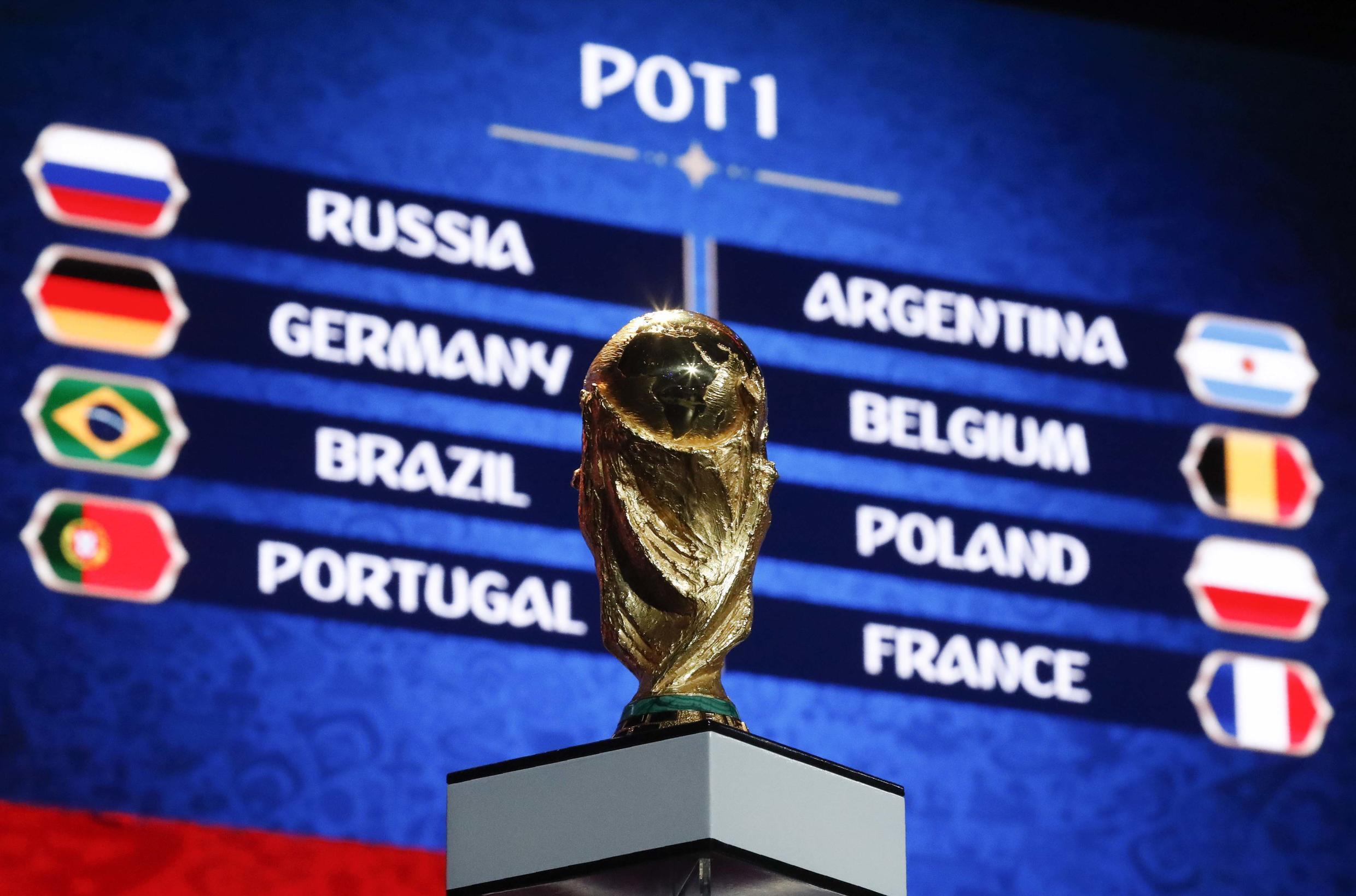 Los cabeza de serie para el sorteo acabarón con mayor o menor suerte repartidos en los 8 grupos.