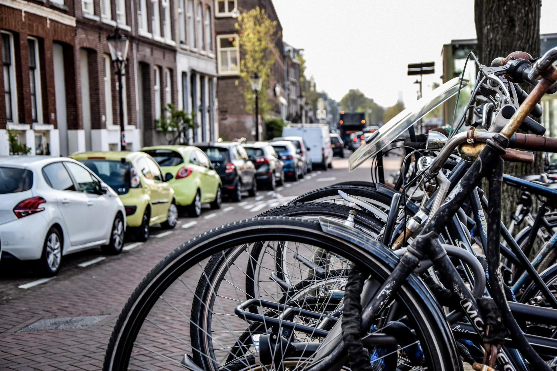 Il est désormais interdit aux Pays-Bas d'utiliser son téléphone portable sur son vélo.