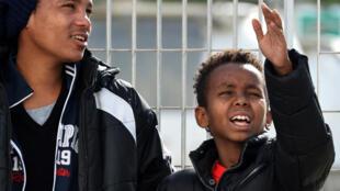 Tenjin (d.), 11 ans, est un jeune Erythréen qui a fui son pays seul, sans ses parents. Il est arrivé en Sicile, en février 2015.
