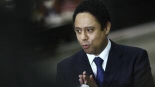 O ex-Ministro dos Esportes, Orlando Silva, fala aos jornalistas após sua demissão, em Brasília.
