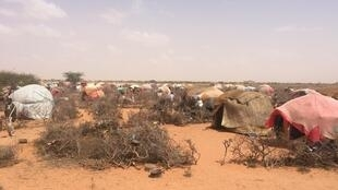 Vue externe du camp Kheyr Doon à Galcacyo, en Somalie.