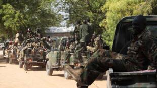 Des soldats sud-soudanais, le 25 décembre dans la ville de Bor, à 500 km au nord de Juba.