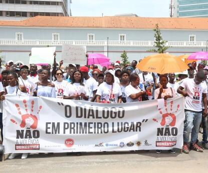 Manifestação em Luanda contra a violência doméstica em 2018 (fotografia de arquivo).