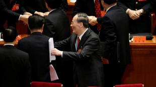 2017年10月18日,前中紀委書記王歧山在中共19大開幕式後,離開會場。