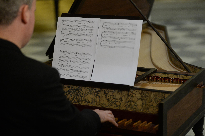 Le pianiste tchèque Lukas Vendl a joué en premier, le 16 février 2016, sur la partition retrouvée « Per la Ricuperata Salute di Offelia », composée par Wolfgang Amadeus Mozart et Antonio Salieri.