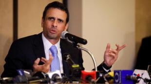 O líder opositor venezuelano Henrique Capriles entrou na lista dos políticos que teriam recebido suborno da Odebrecht.
