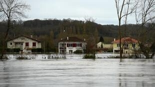 Floods have left a trail of death and devastation in south-western France.