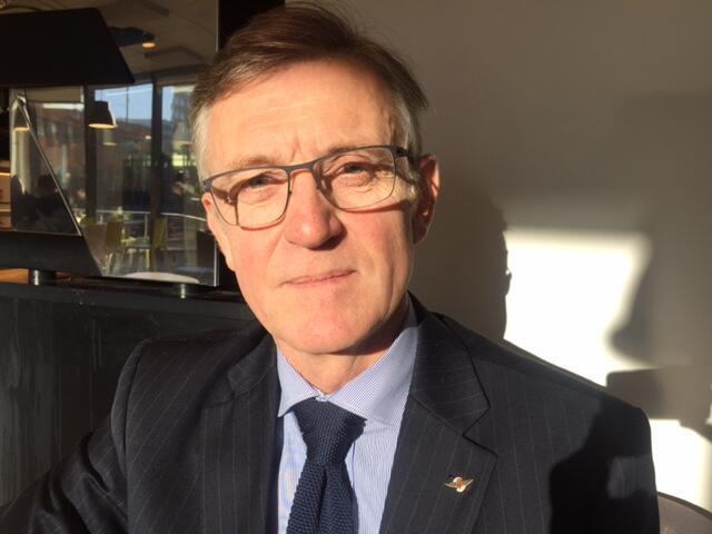 O historiador Jean-Pierre Blay está preparando um livro sobre Santos Dumont