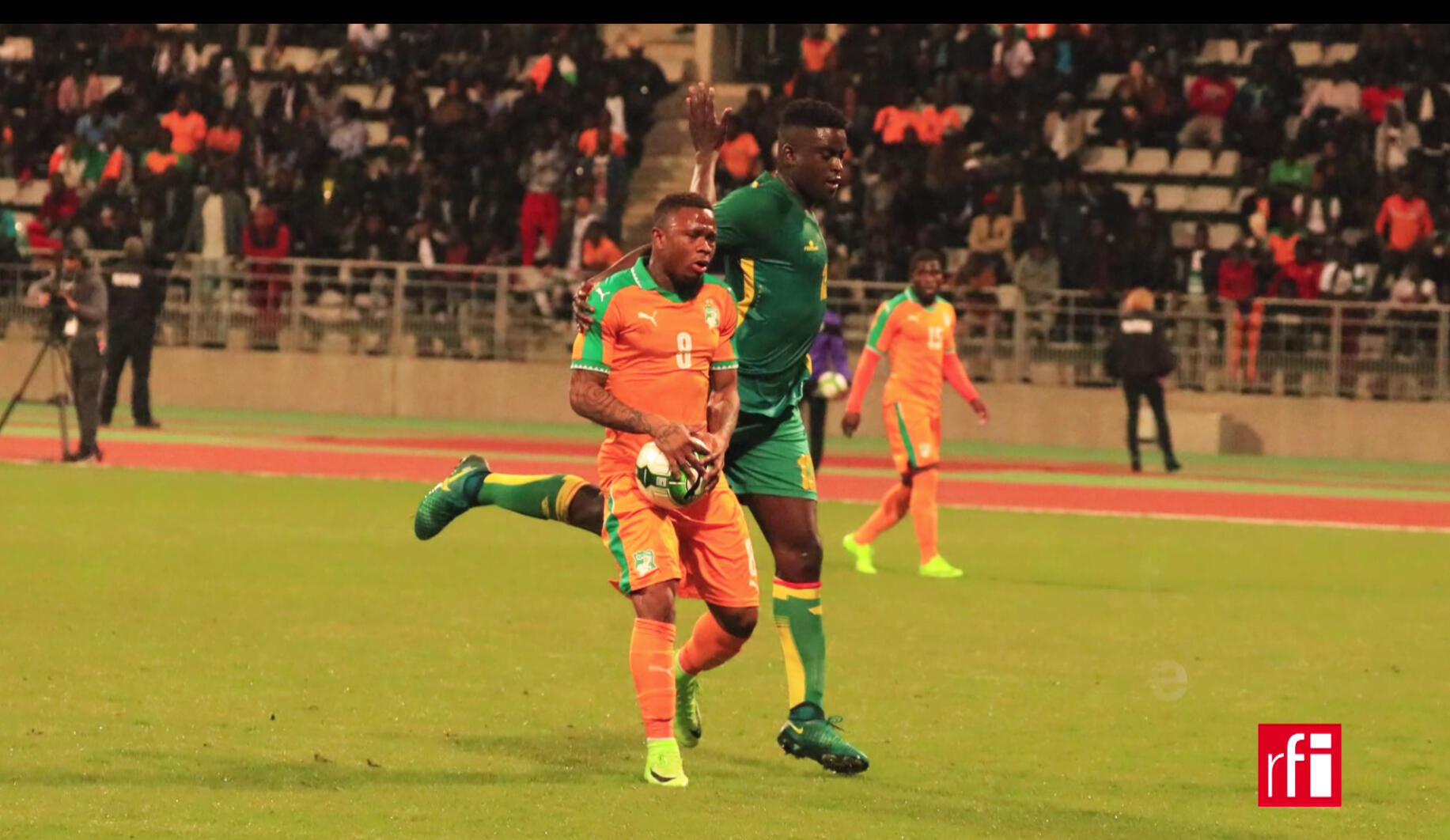 Le match Sénégal-Côte d'Ivoire au stade Charléty à Paris.