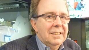 Pedro Álvarez de Miranda en los estudios de RFI