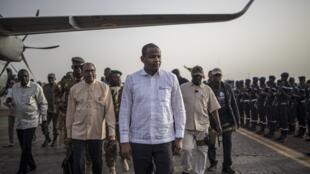 Le Premier ministre malien Boubou Cissé dans le centre du Mali en juillet 2019.
