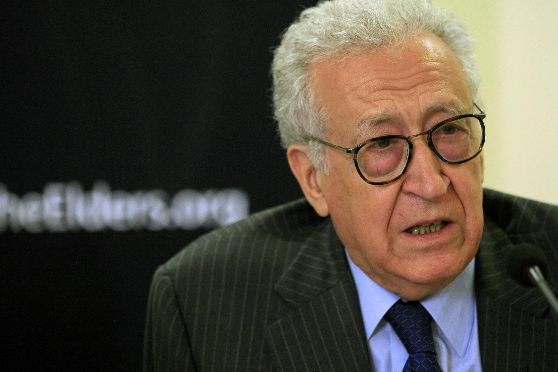 Lakhdar Brahimi replaces Kofi Annan as UN peace envoy to Syria