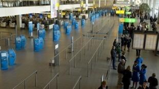 L'aéroport Amsterdam Schiphol, où les deux terroristes présumés ont été arrêtés, le 31 août 2010, par la police néerlandaise.