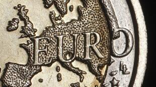 O euro continua à procura de uma solução para a crise da dívida.