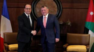 O  presidente Hollande acolhido pelo rei Abdallah II  em Amã (Jordânia).19.04.2016