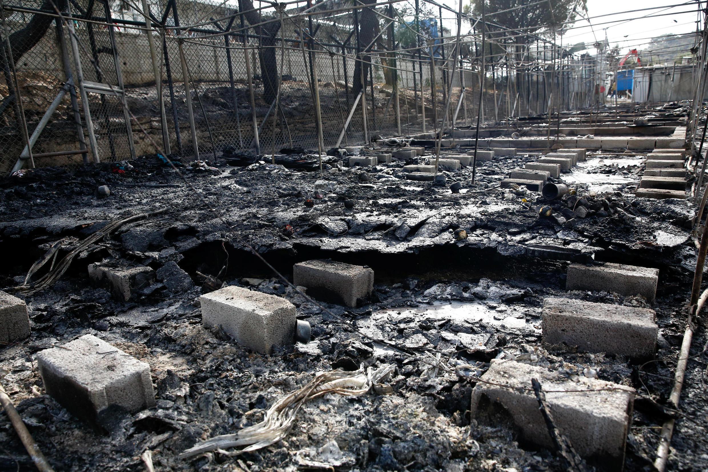 Incêndio destrói campo de refugiados  ilha de Lesbos, na Grécia