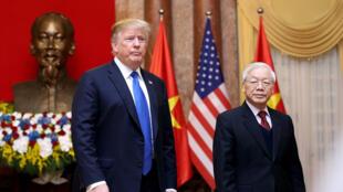 Ông Nguyễn Phú Trọng, chủ tịch Nước, tổng bí thư đảng Cộng Sản Việt Nam trong buổi tiếp tổng thống Mỹ Donald Trump tại phủ chủ tịch, Hà Nội, ngày 27/02/2019.