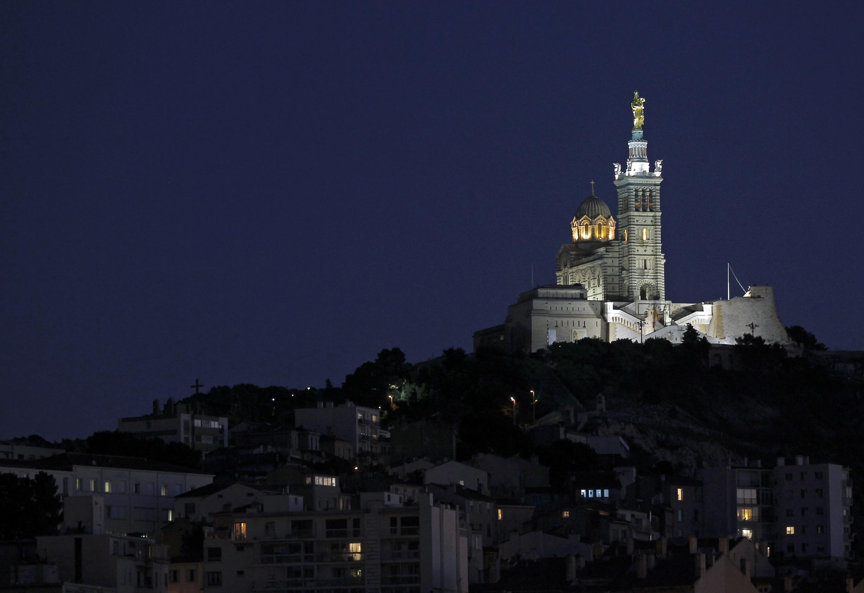 位於市中心及最高地理位置的馬賽拉加德聖母院(Notre Dame de la Garde)